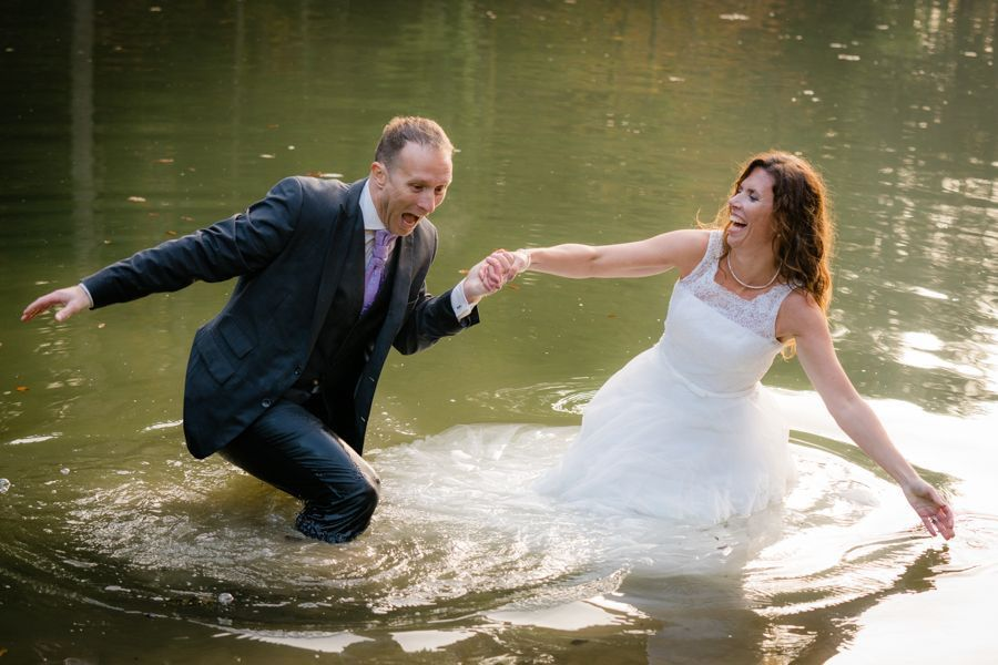 Trash the Dress Shooting kaltes Wasser